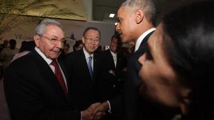 Image via http://www.cnn.com/2015/04/11/politics/panama-obama-castro-meeting/